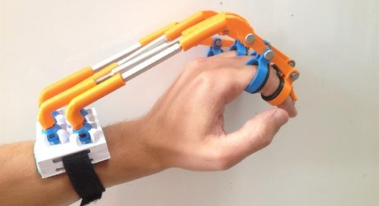 mechanical-engineer-3d-printed-exoskeleton-stroke-victims-spiderhand