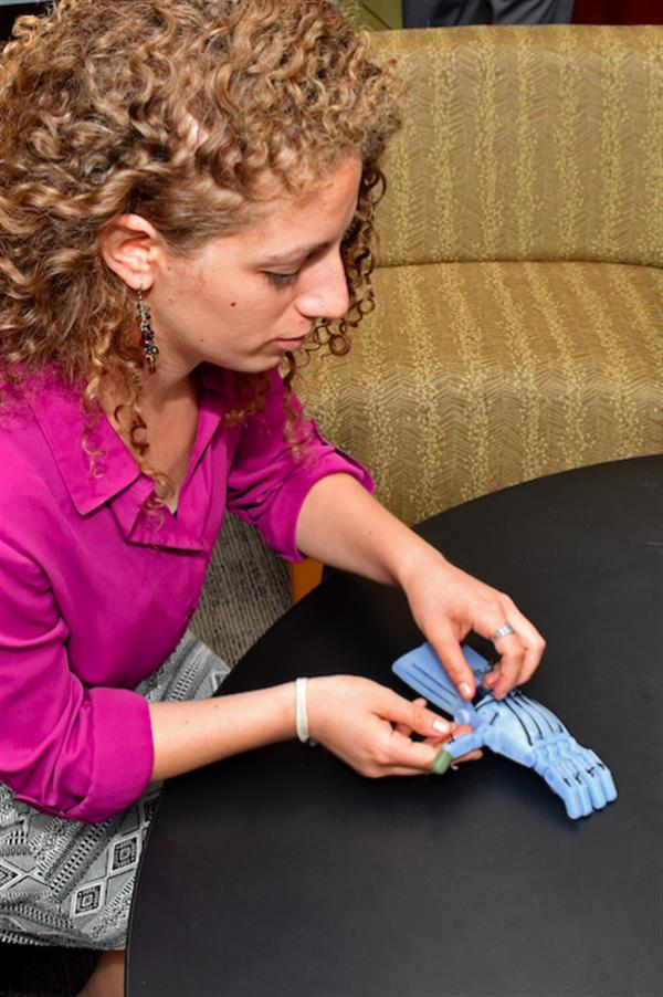 affordable-3d-printed-hands-soon-provide-temperature-pressure-feedback-thanks-mit-research-3