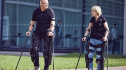 اگزواسکلتون ReWalk Robotics با نام ReWalk 6.0